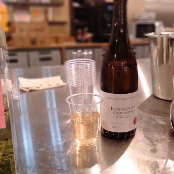 名駅-スナックかすがい-白ワイン